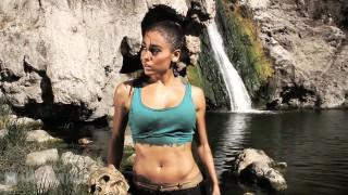 Lara Croft (Tomb Raider) vs. Nathan Drake (Uncharted) – Super Power Beat Down (2012)